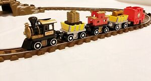 LINCOLN LOGS Gold Mine Express 928 RR Train Railroad Train Tracks Cars & Caboose