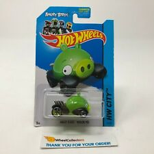 Angry Birds Minion Pig #81 * Green * 2014 Hot Wheels * JB10
