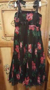 Stunning POLKADOT ORIGINAL ladies black floral pleated dress (size small)