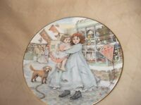 ELEGANT GILDED DISPLAY PLATE ROYAL WORCESTER CHRISTMAS 1987 NSPCC LOVE