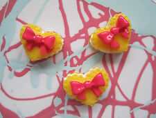 X 6 BOW BISCUIT DOLL FOOD RESIN PAINTED CABOCHONS DECODEN DIY JEWELLER FINDINGS