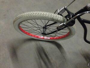 WHITE Balloon bicycle tires 26x2.125 Goodyear Tread New UNUSED SCHWINN Cruiser