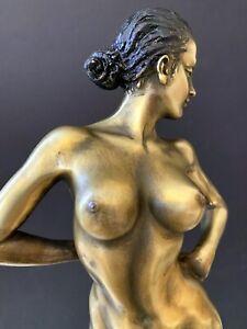 Erotische Bronzefigur-  Bronze Akt signiert Raymondo  auf Marmorsockel