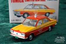[TOMICA LIMITED VINTAGE LV-151a 1/64] NISSAN CEDRIC TAXI 1965 (Orange / Yellow)