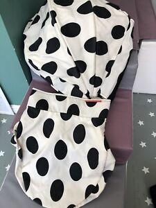 Oyster Colour Pack Vogue Black Spots Carrycot