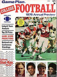 1975 Game Plan College Football magazine, Tony Davis & Rik Bonness, Nebraska ~VG
