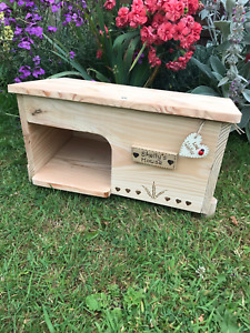 Pet House Hide Shelter for Guinea Pigs, Tortoises, Smaller Rabbits and Pets