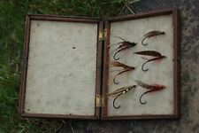 2886 ANTIQUE Vintage  Gut Eyed Salmon Fly. fly's flies 6 different in od box