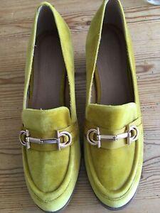 Asos Mustard Yellow Shoe Sz 7 Chunky Heel