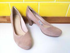 NEW Clarks Chorus Carol Nude Suede Court Shoes Size 7 / 41 Beige Patent Heel