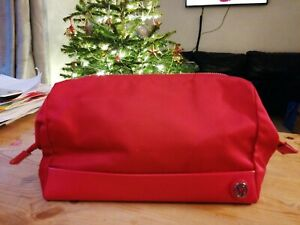 New BNWOT lululemon pink raspberry zip up make up kit bag rrp £50 travel pouch