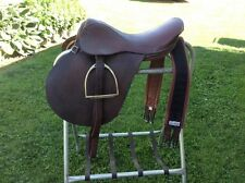 "Richmond Saddlery Argentina leather 16"" English saddle w/ irons & Dewsbury girth"