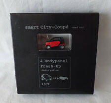 Busch / MCC Werbemodell 1:87 Smart City-Coupe mad red & Bodypanel Fresh-Up rot