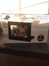 Digital Picture Frame by Digital Decor  Model DPF710