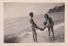 VERA FOTO RAGAZZE IN RIVA AL MARE A CON MOLO IN LEGNO LIGURIA ANNI '30 17-41