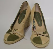 NWOB TOMMY HILFIGER  Canvas Gree and Bege Shoes 6 US