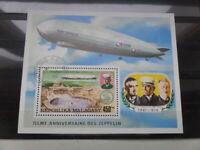 Zeppelin Luftpost Block Repoblika Malagasy 450 F. gestempelt Graf von .