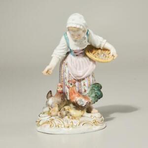 ANTIQUE 19TH/20TH C. MEISSEN PORCELAIN FIGURINE OF GIRL FEEDING CHICKENS 2814