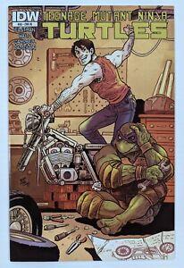 Teenage Mutant Ninja Turtles #30 RI 1:10 Retailer Incentive Variant IDW 2011 NM