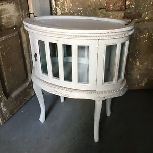 Beautiful Oval Distressed LightGray Chocolate Cabinet Table End Lamp Glass Curio