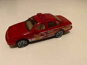 Matchbox Ford Crown Victoria Fire Emergency Toy Car 1996 Red 1:70 Station 02 EUC