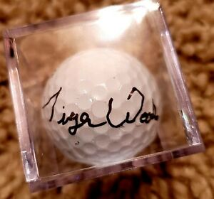 SIGNED Tiger Woods Titleist NXT Golf Ball in case with COA