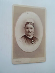 Antique CDV Vintage Photograph Lady Dated 1877 Named To Rear By W Hanson, Leeds