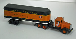 HO Assembled GREAT NORTHERN 50'S truck and trailer -- metal -- custom painted