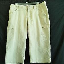 Columbia Omni Shade Capri Cargo Pants Size 10 Green Fishing Hiking