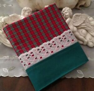 COUNTRY COTTAGE CHRISTMAS HOLIDAY RED & GREEN PLAID & WHITE LACE PILLOWCASE-NEW