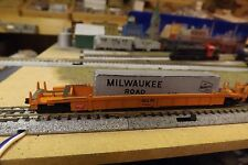 N-Scale Custom Painted MILWAUKEE ROAD (MILW) WELL CAR W/CONTAINER # 90880