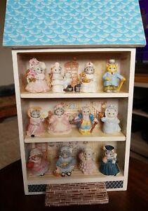 Schmid Set of 12 x Kitty Cucumber Figures & Display House B.Shackman 1992