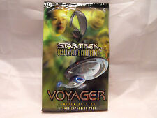 STAR TREK CCG VOYAGER SEALED BOOSTER PACK OF 11 CARDS
