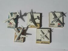 Lot de 5 avions de la collection Schabak en métal