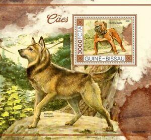 Guinea-Bissau - 2021 Dogs, English Bulldog - Stamp Souvenir Sheet - GB210114b