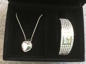 OASIS CRYSTAL WATCH & NECKLACE SET. NEW IN BOX. NEVER WORN SIZE SMALL