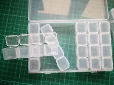 Caja rectangular 17 x 11 cm con 28 cajitas independientes plástico transparente