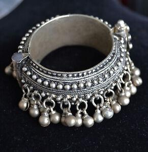 Yemenite bangle, Yemenite silver bracelet, Vintage silver bangle (YB8)