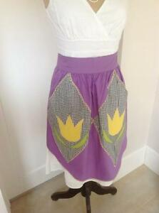 VINTAGE HALF PURPLE & BLACK GINGHAM TULIP COTTON COUNTRY DAY PINNY APRON AS NEW