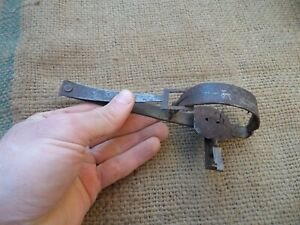 MINI VINTAGE SMALL WROUGHT IRON MOUSE MICE RAT TRAP BLACKSMITH HAND FORGED