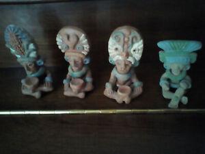 LOT DE 4 STATUETTES EN TERRE CUITE INCAS-AZTEQUES-MAYAS - 9 x 5 cm