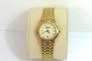 2000s LADIES GOLD PLATED 9200L GUCCI WITH BRACELET IN EXCELLENT CONDITION