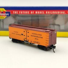Athearn N Scale 11549 Pacific Fruit Express 36 Wood Reefer #4703 Used