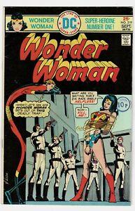 Wonder Woman - No 219 - 1975 NICE COPY!