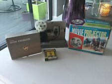 VINTAGE  8 MM MOVIE PROJECTOR CHILDS TOY IN ORIGINAL BOX MADE IN HONG KONG