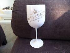 Moet & Chandon White Plastic Flute BN