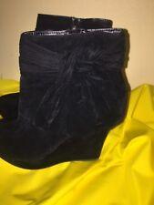 Dollhouse Women's Platform Wedge Black Velvet Zip Up Booties Size 10 CHARLI-03