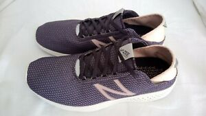 NEW BALANCE TRAINERS WOMENS SIZE 8 NEW