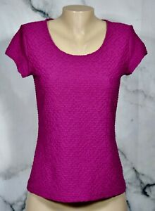 LIZ CLAIBORNE Cranberry Textured Top Medium Short Sleeves Unlined Stretch Poly