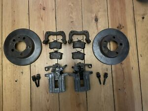 VW Golf Mk4 Bora Complete Rear Brakes, Calipers,Carriers, Discs, Pads 232mm
